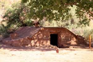 LEES_FERRY_ROOT_CELLAR_IMG_0335