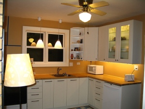 Contemporary-Small-White-L-Shaped-Kitchen