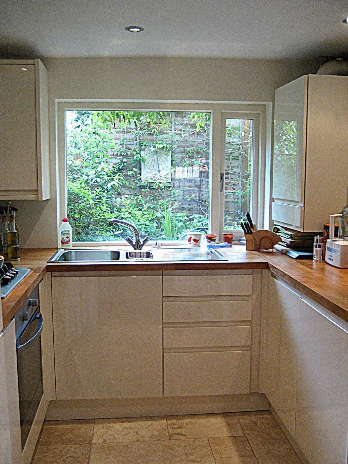 Clairefunny for Eat in kitchen designs for small kitchen