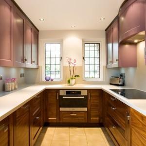 Modern-U-shaped-kitchen