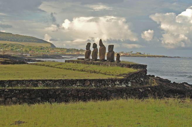 AHU_TAHAI,_EASTER_ISLAND